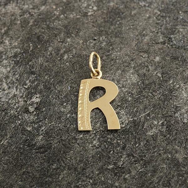 Zlatý přívěs písmeno R