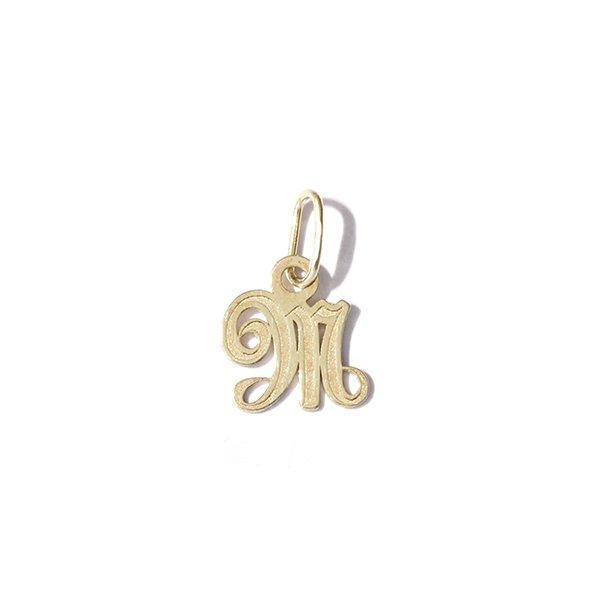 Zlatý přívěs písmeno M