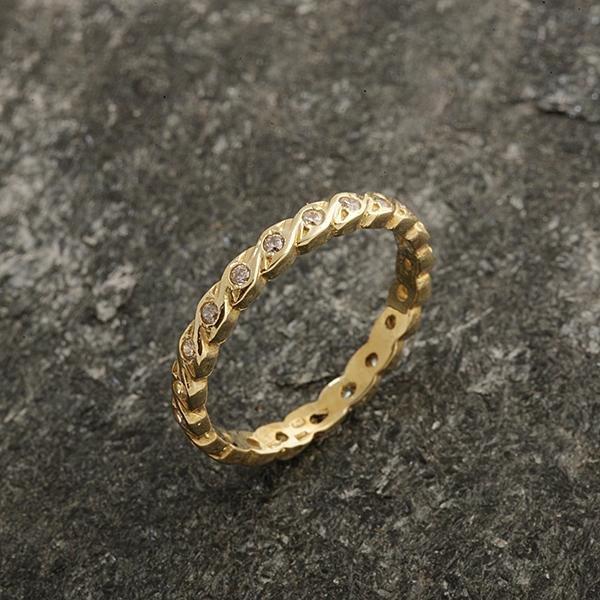 Zlatý prsten se zirkony vel. 56