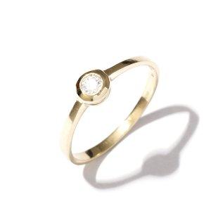 Zlatý prsten se zirkonem vel. 56