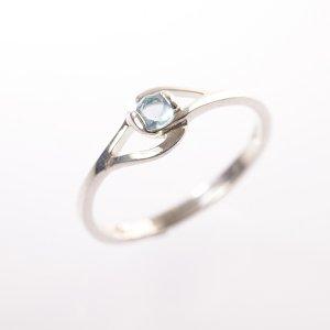 Stříbrný prsten se zirkonem vel. 58
