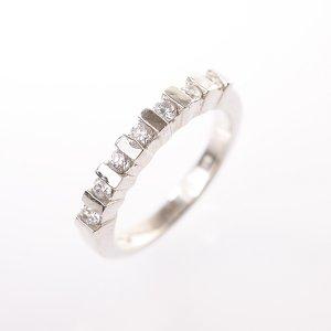 Stříbrný prsten se zirkony vel. 52