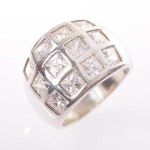 Stříbrný prsten vel. 59