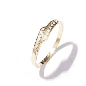 Zlatý prsten se zirkonem vel. 58